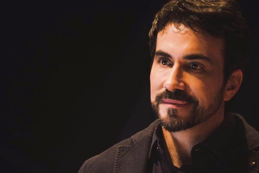 "Pe. Fábio de Melo opina sobre ""saidinha"", é criticado e deixa o Twitter"