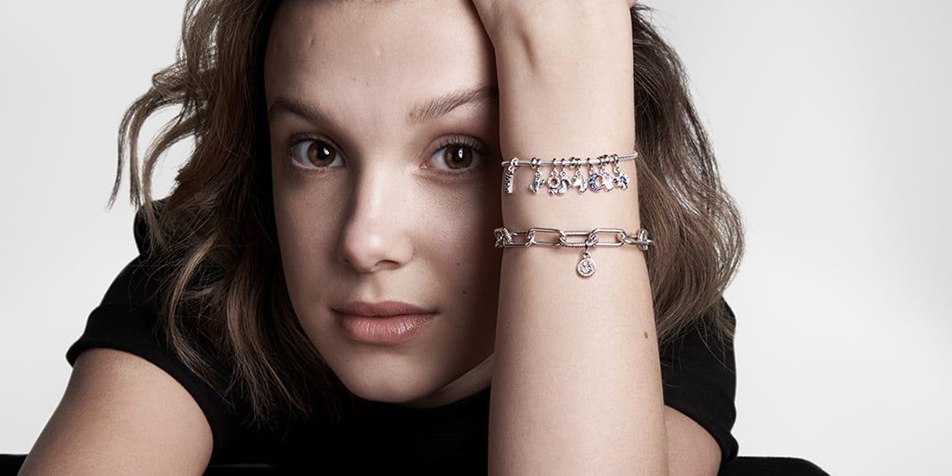Millie Bobby Brown fecha parceria com marca de joias