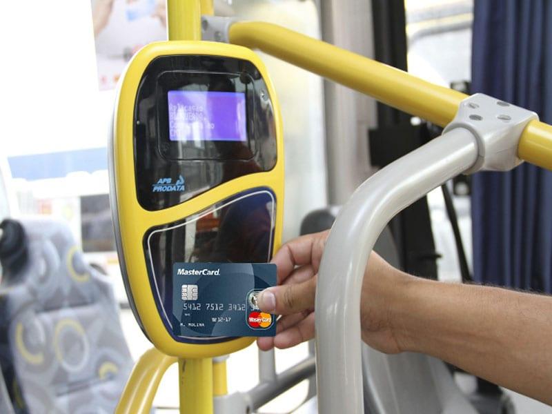 Cartão de crédito e débito é agora aceito nos ônibus de São Paulo