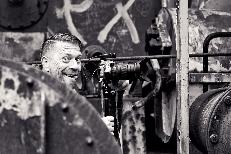 Ganhe até R$15.000 por mês tirando fotos
