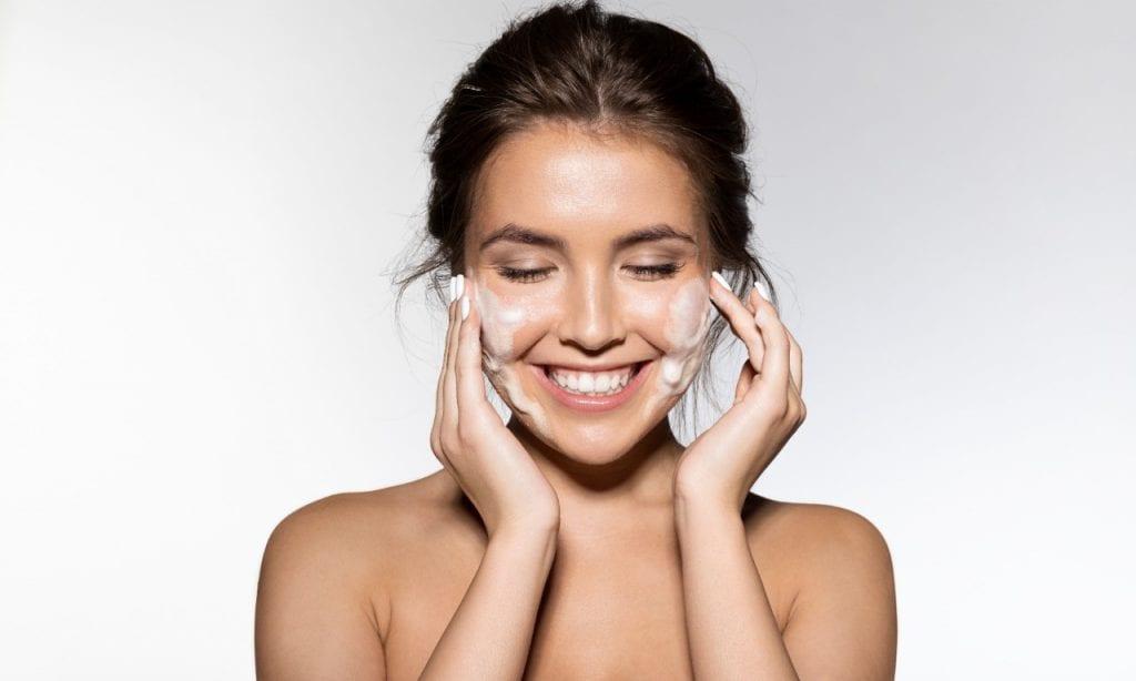 Dicas de maquiagem para manter a pele saudável