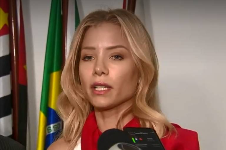 Caso Neymar: Najila é indiciada por extorsão, calúnia e fraude