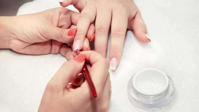 Atinja uma renda 3x maior que um manicure comum!