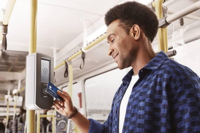 pagar ônibus com cartão