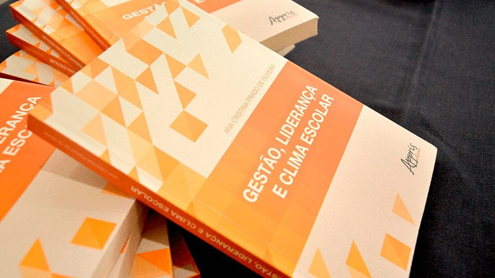Livro Gestão escolar e qualidade da educação: caminhos e horizontes de pesquisa. Foto: Larissa Gomes