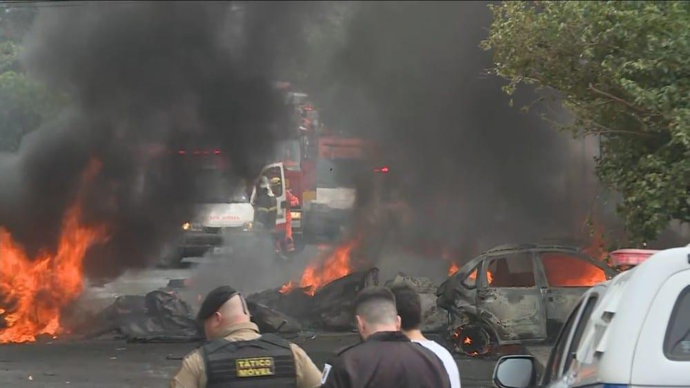 Avião cai pela 2ª vez no mesmo lugar em BH e deixa 3 mortos