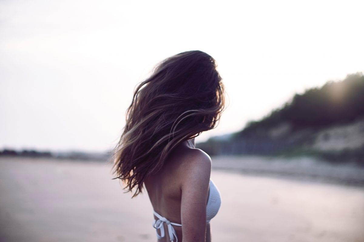 Saúde dos cabelos: previna a queda com uma alimentação saudável