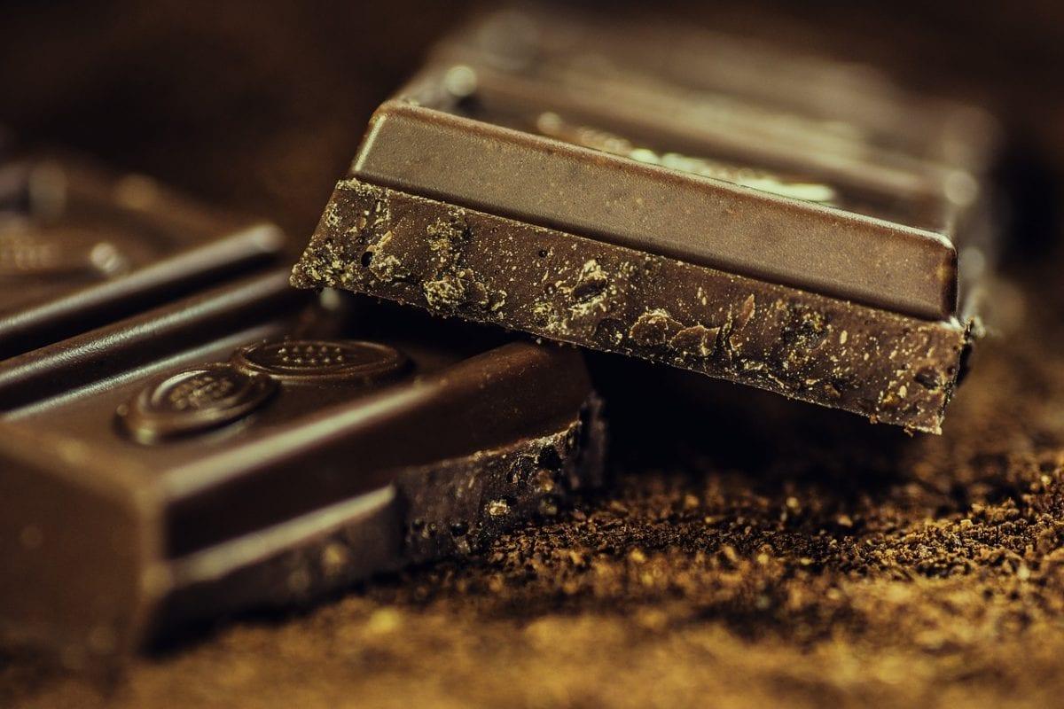 É possível ser saudável continuando a comer chocolate