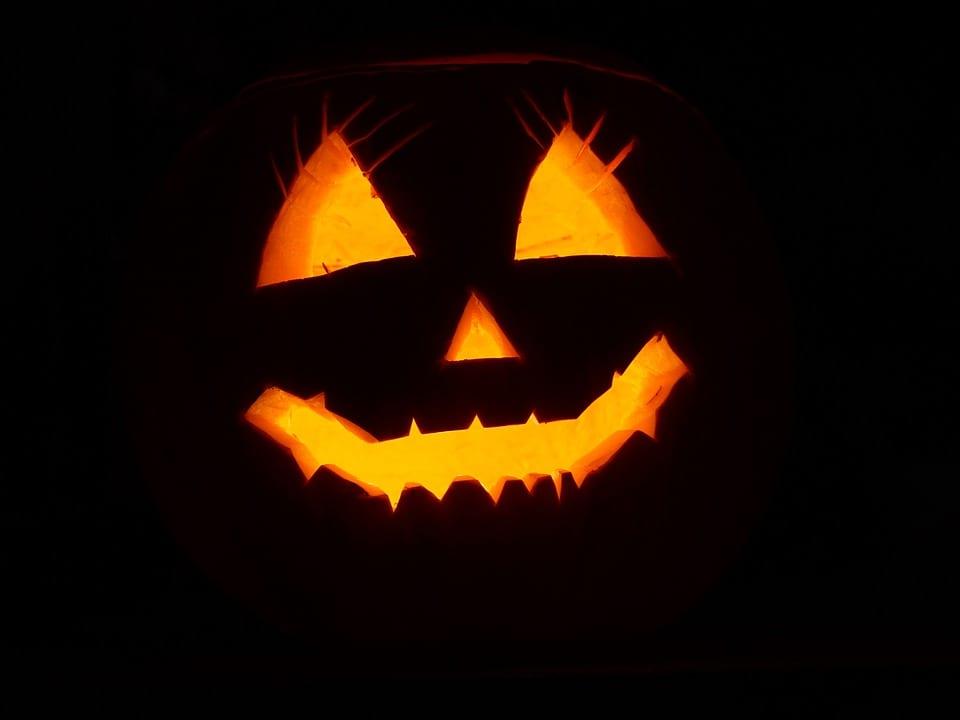 Halloween: Descubra a história por trás dos Doces ou Travessuras