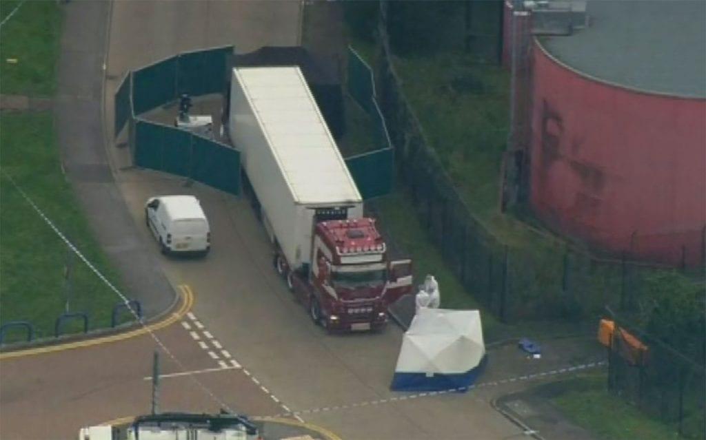 39 corpos são encontrados em caminhão