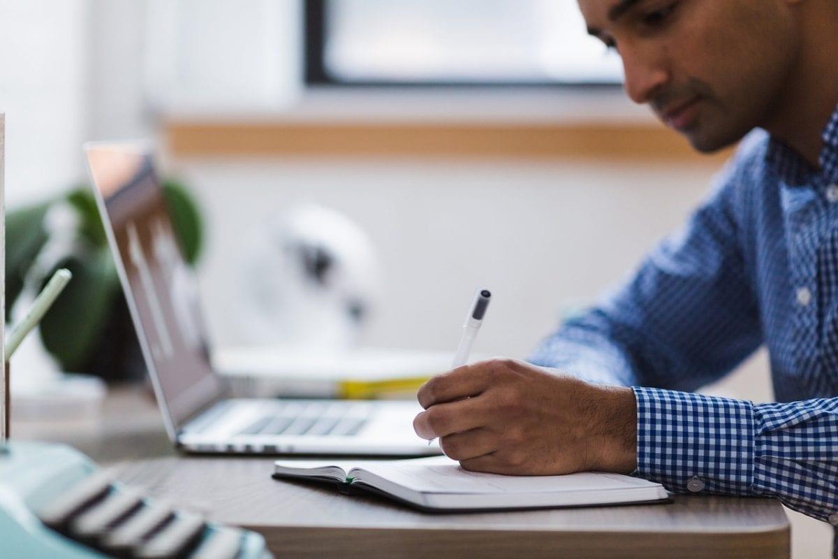 Pufix: cursos online para melhorar o currículo