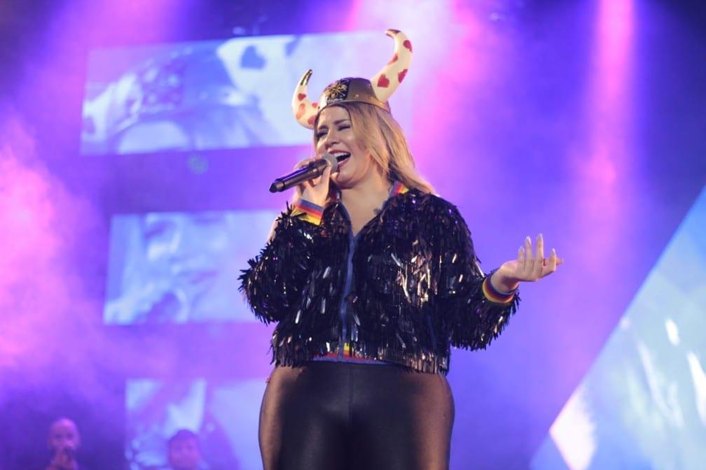 Marília Mendonça lamenta brigas em show de BH