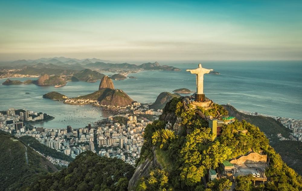 Intervenção: As duas margens do Rio de Janeiro