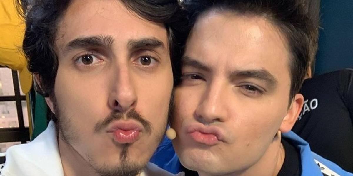Felipe Neto e Castanhari se beijam ao vivo: Veja fotos e vídeo