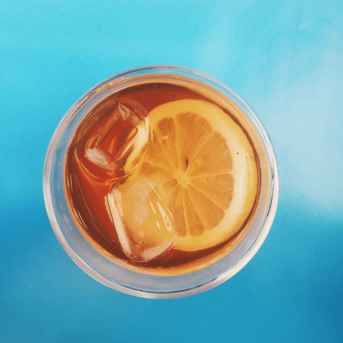 DIETAS: Aprenda a fazer um chá gelado que emagrece!
