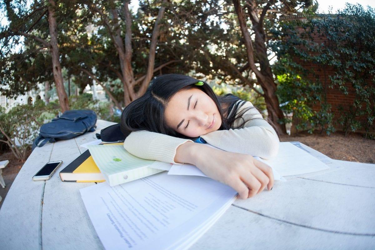 Estude quando estiver cansado: a ciência provou que funciona