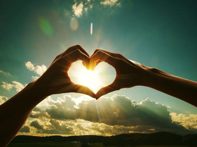 Crônica: Como os jovens da atualidade lidam com o amor?
