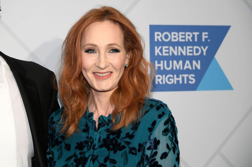 J. K. Rowling é acusada de transfobia: entenda o motivo