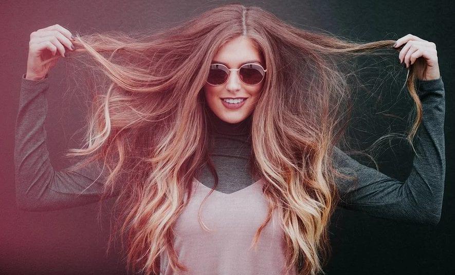 Saiba como manter o cabelo hidratado sem ter que ir ao salão
