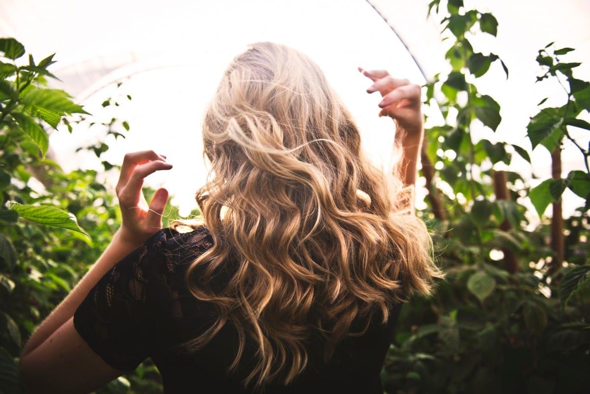Ajude seu cabelo a crescer durante a quarentena com máscara caseira