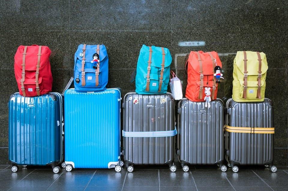 Confira 6 itens que não podem faltar na sua mala de viagem no Carnaval