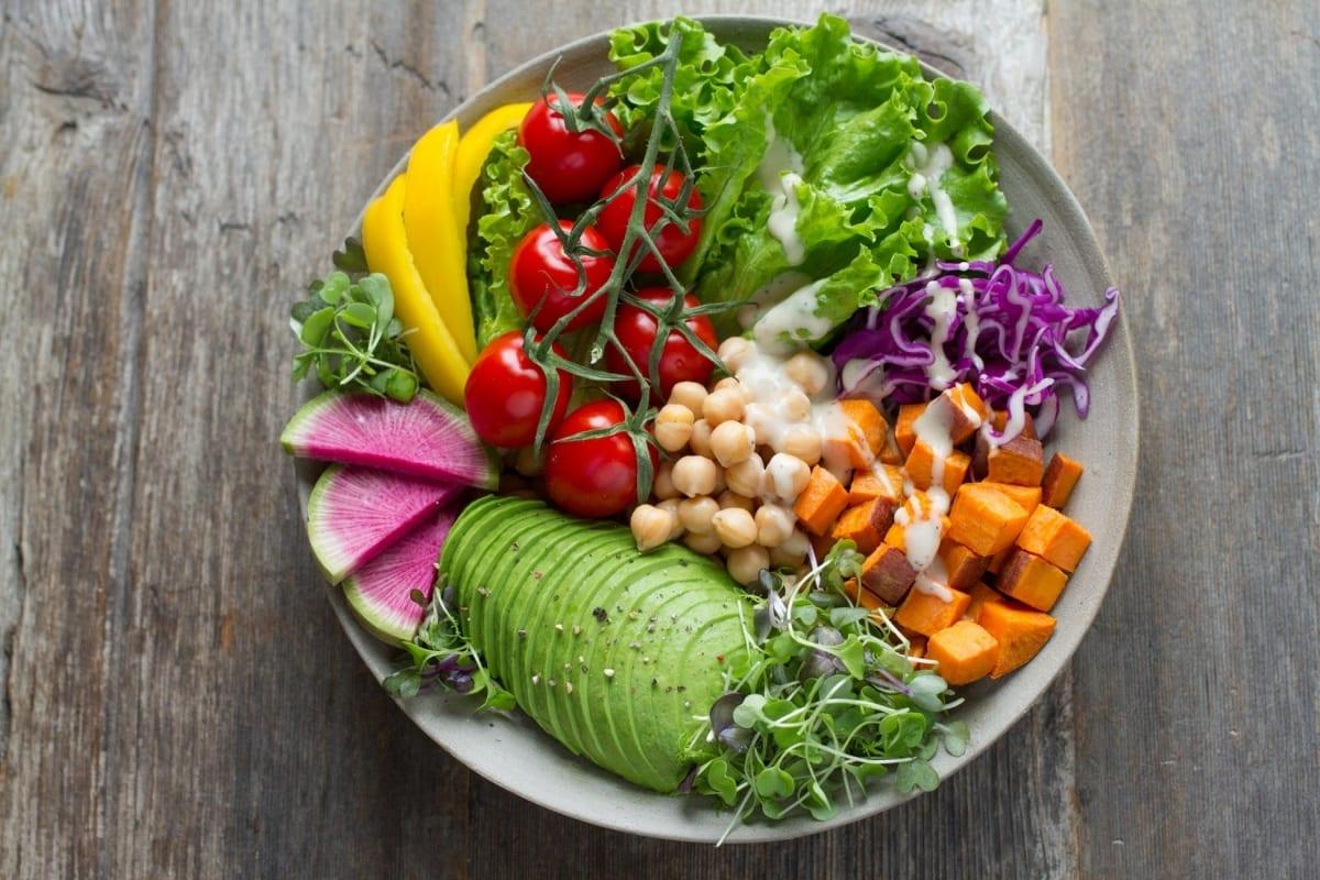 DIETAS: Comer de 3 em 3 horas ou Fazer Jejum Intermitente?