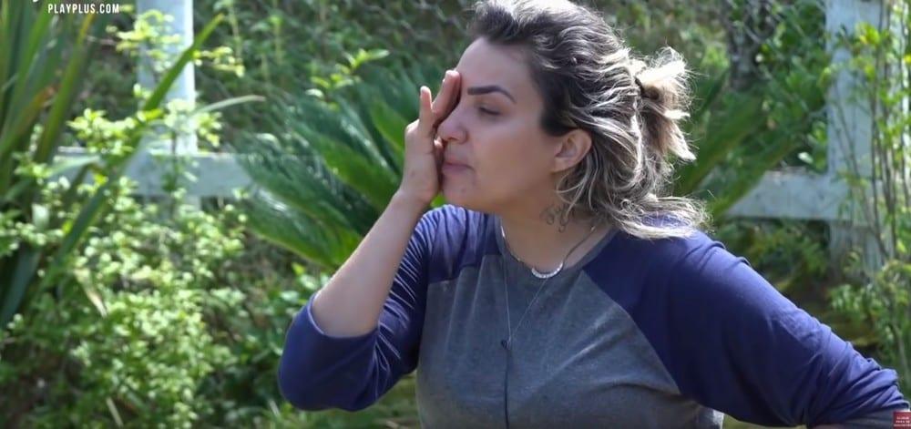 Suspeita de traição durante A Fazenda faz Thayse Teixeira terminar noivado