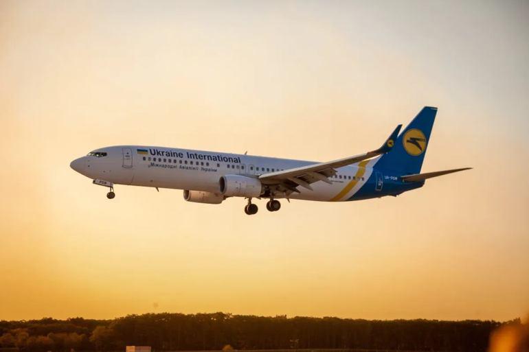 Avião ucraniano cai e deixa 176 mortos em território iraniano