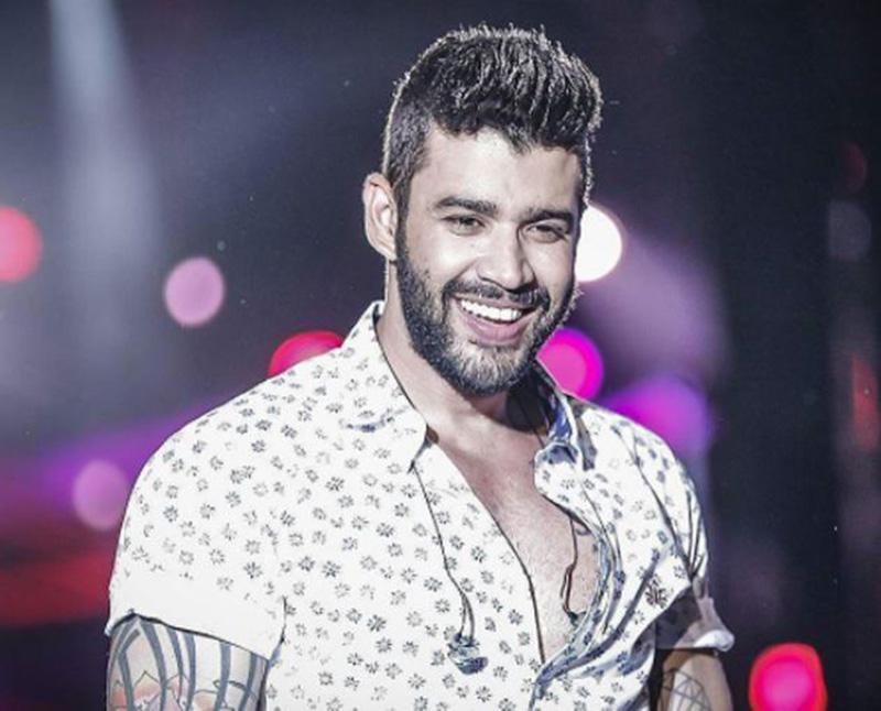 Gusttavo Lima fala sobre vida íntima em show: 'Duas horas só nas preliminares'