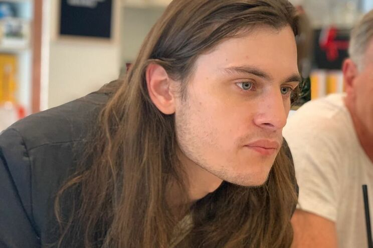 Morre, aos 27 anos, ator de American Horror Storry