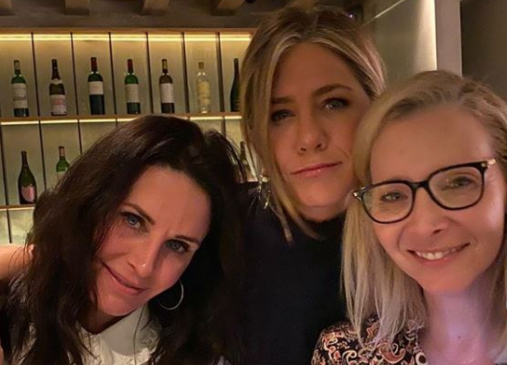 Foto de Jennifer Aniston com 'Monica e Phoebe' tem 7 milhões de curtidas em 10 horas