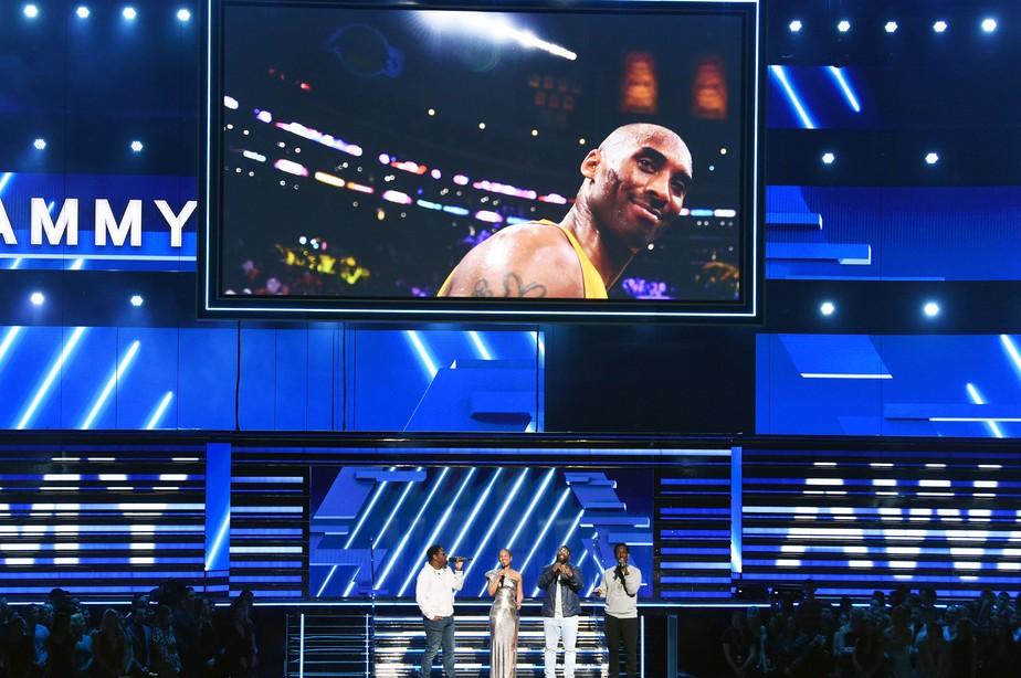 Kobe Bryant é homenageado no Grammy 2020