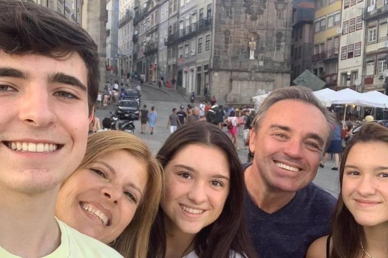 GUGU LIBERATO E FAMILIA