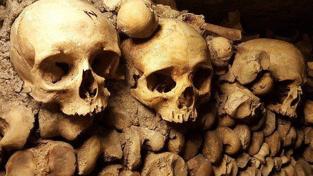 42 esqueletos humanos encontrados em site de construção britânico