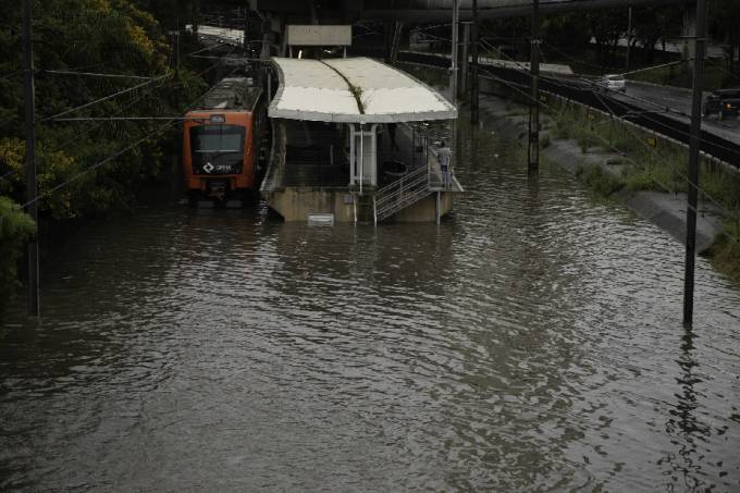 Chuva em SP: Circulação de trens de algumas regiões é interrompida