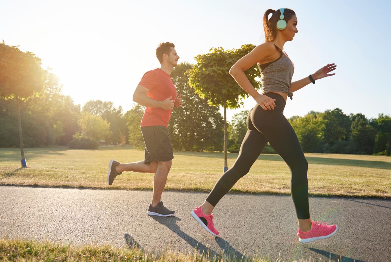 Exercícios aeróbicos são uma dos métodos para perder 10 kg em um mês.
