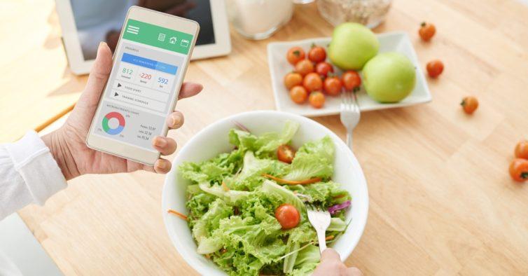 Contar calorias auxília a perder peso.