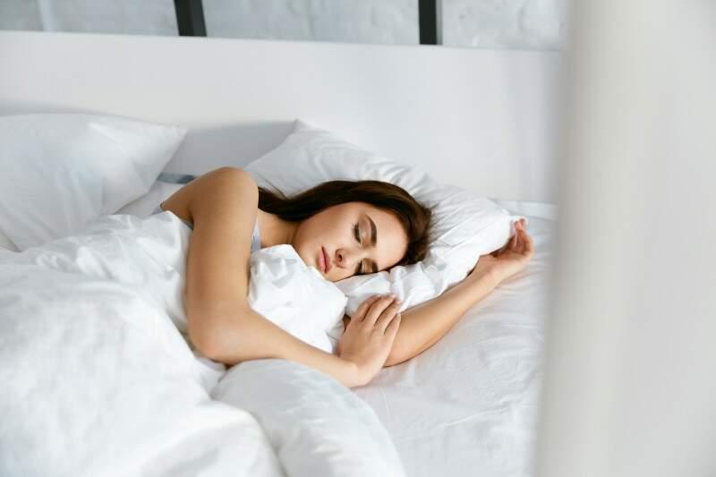 Uma boa noite de sono pode ajudar a perder 10kg em um mês.