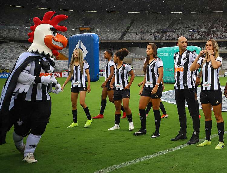 Jogadora Vitória Calhau sofre machismo do Mascote do Atlético Mineiro