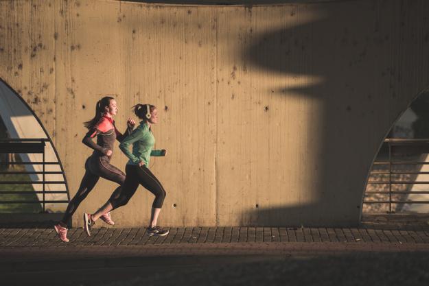 Para emagrecer, correr é melhor que caminhar?