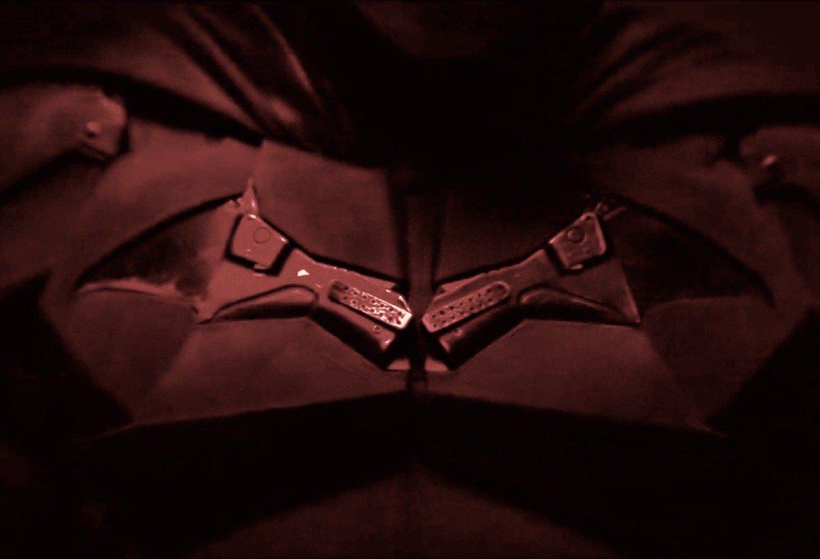 Batman: o uniforme do herói é totalmente revelado