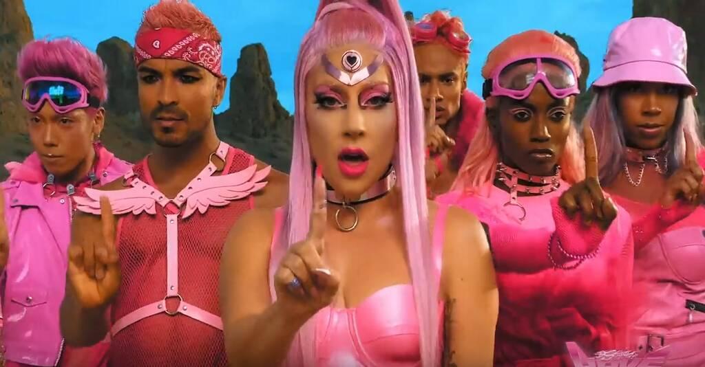 Lady Gaga lança clipe de Stupid Love e gera memes