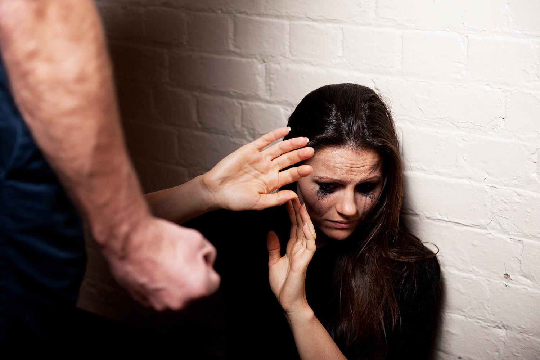 Veja 7 famosas que sofreram agressões físicas de seus parceiros