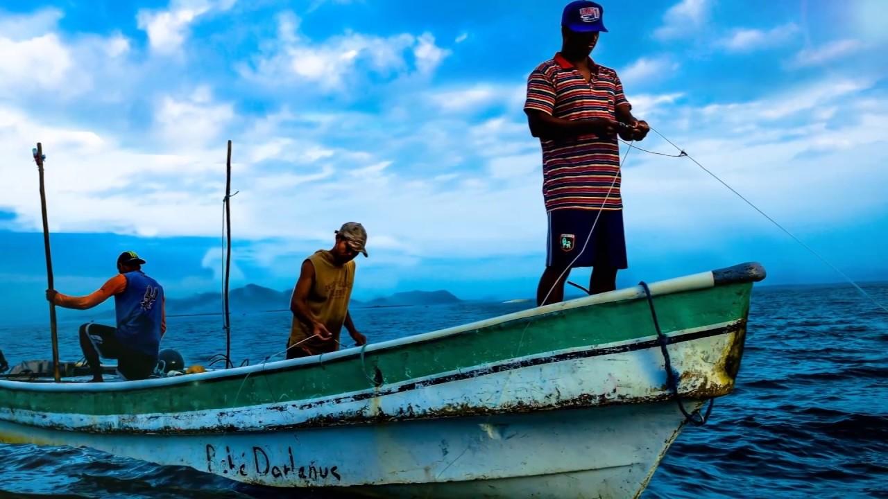 Viver do mar: dificuldades e vivências na pesca artesanal manezinha