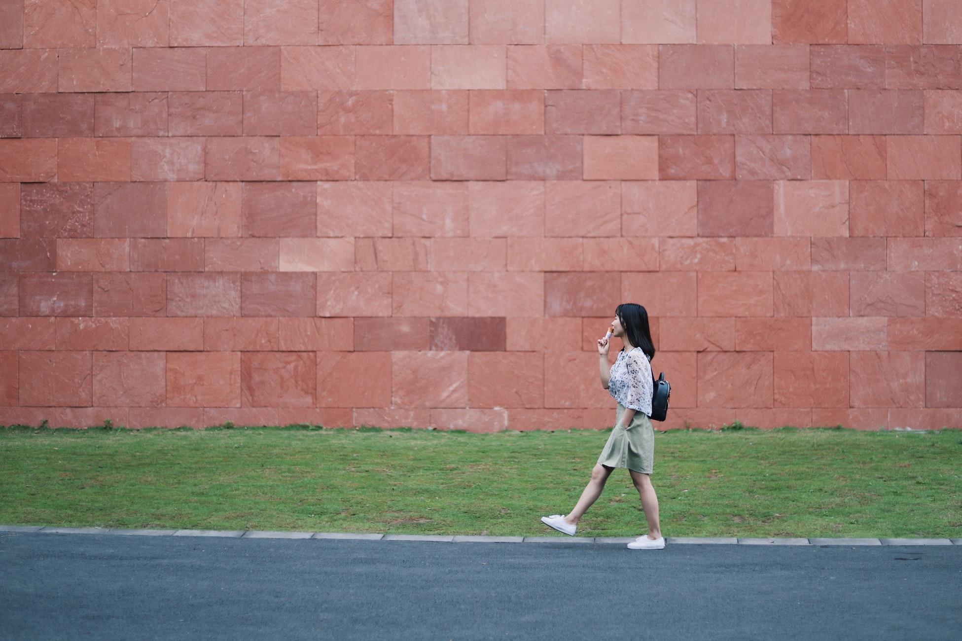 Para emagrecer rapidamente, é melhor praticar corrida ou caminhada?