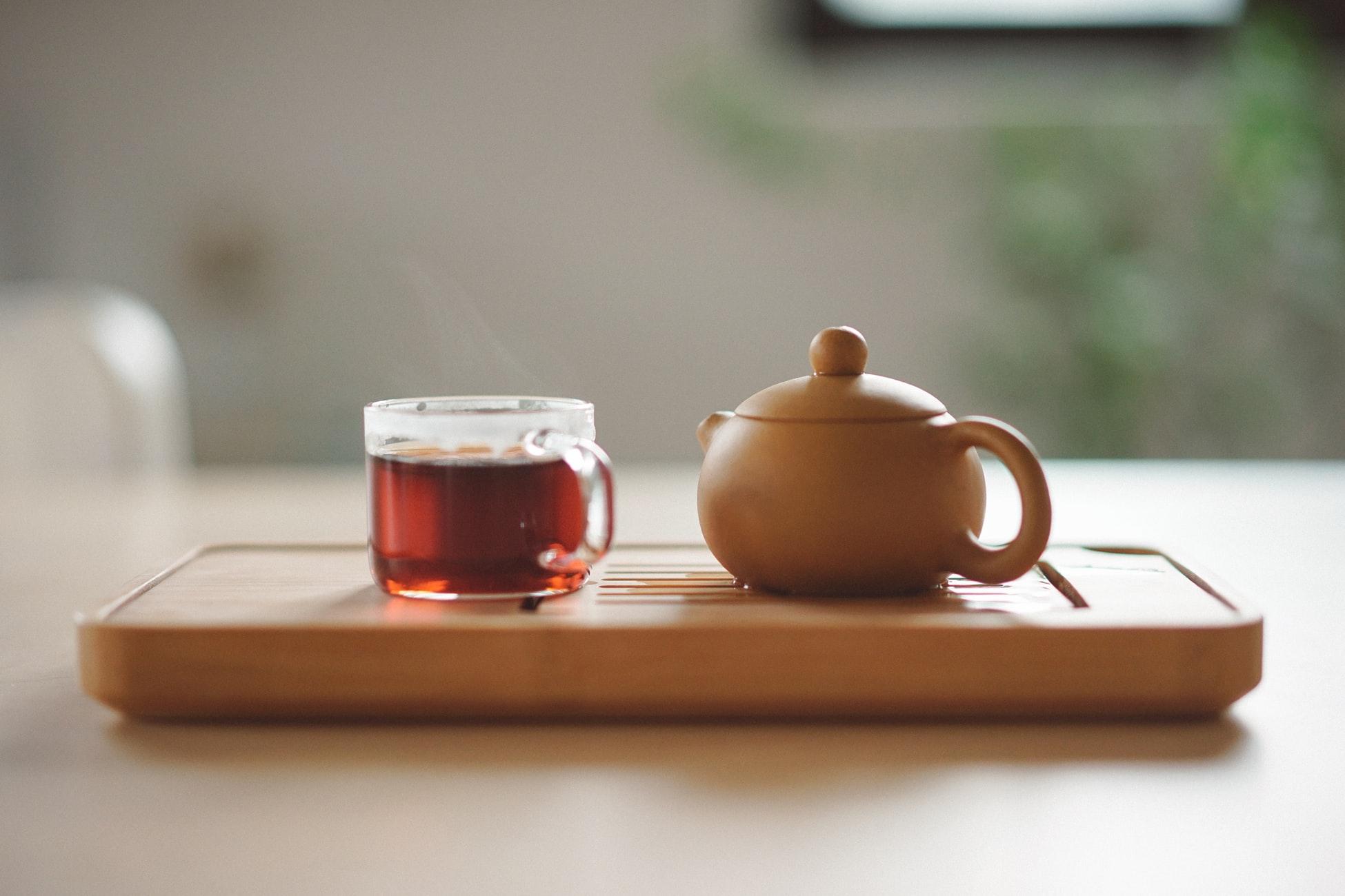 O chá de hibisco pode te ajudar a emagrecer: saiba como!