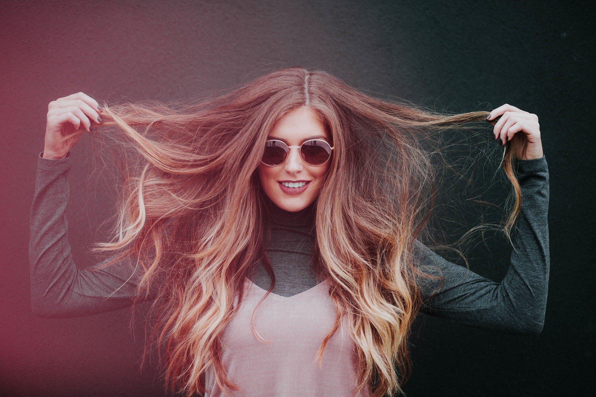 Aprenda a fazer seu cabelo crescer mais rápido em casa