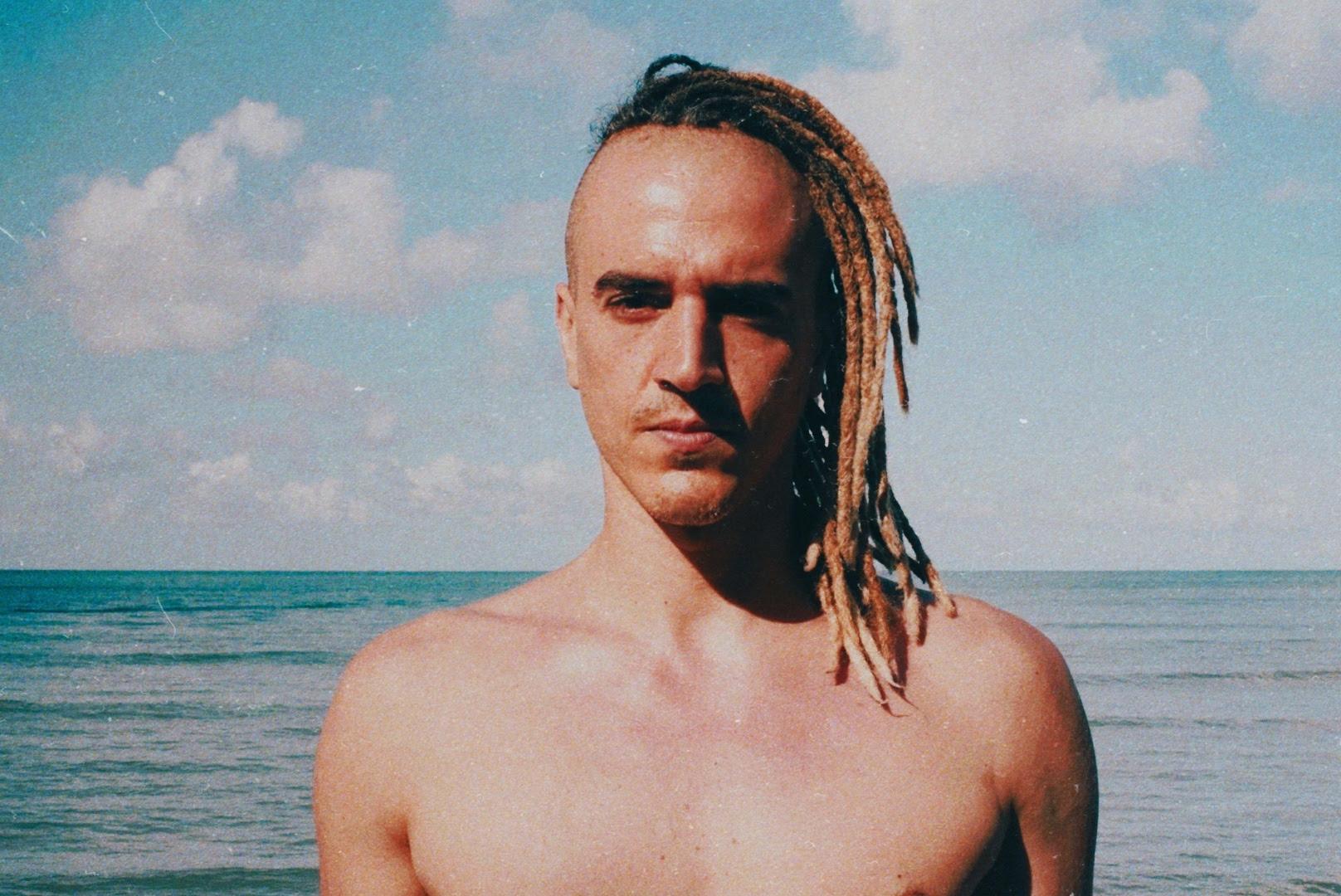 "Dre Guazzelli lança remix oficial de ""Toda Menina Baiana"" de Gilberto Gil"