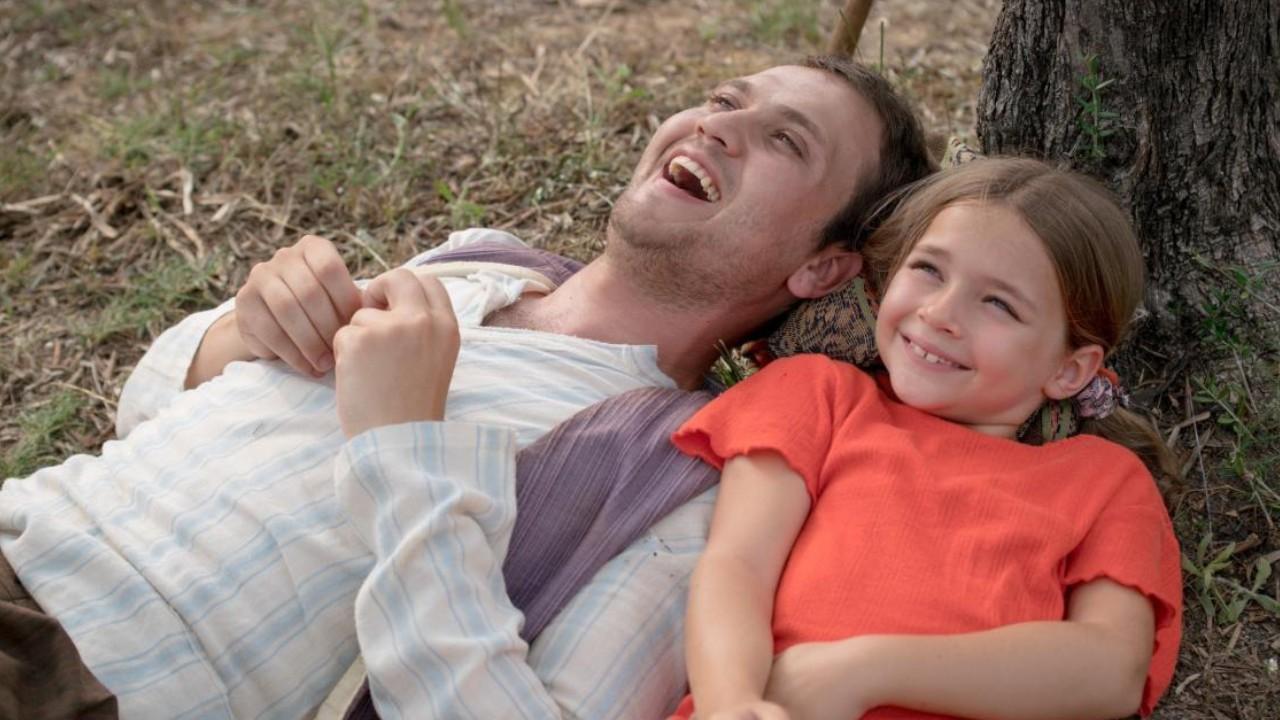 """'Milagre na Cela 7': Veja o que significa """"Lingo, Lingo! Garrafas!"""""""