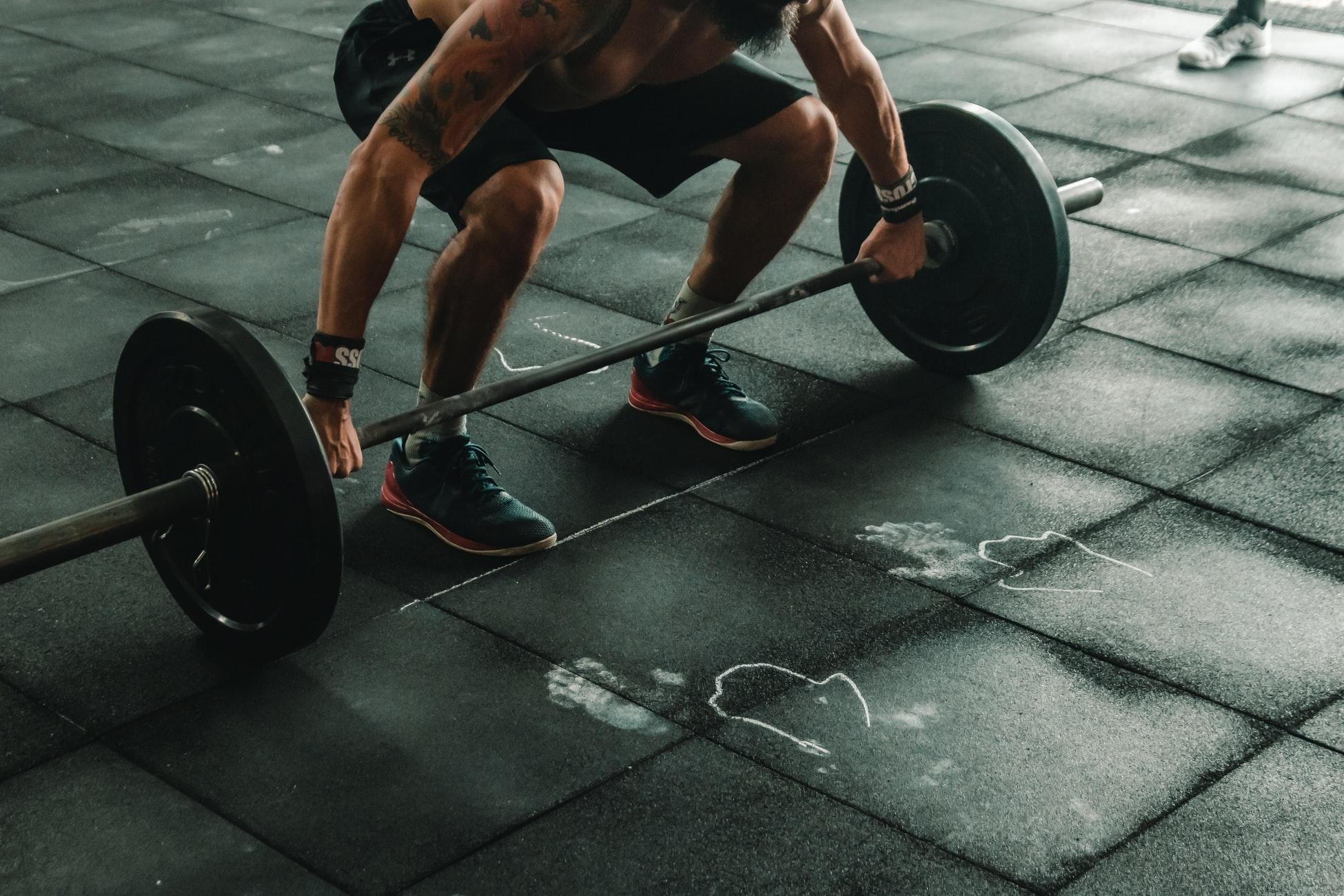 Emagreça com saúde: treinar muito é sempre bom?